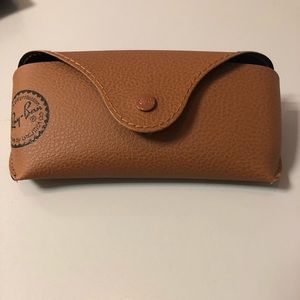 Ray-Ban Accessories - authentic Ray-Ban case with cloth